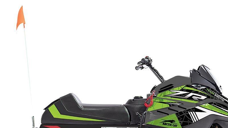 Fanion de sécurité et coupe-circuit ZR 120